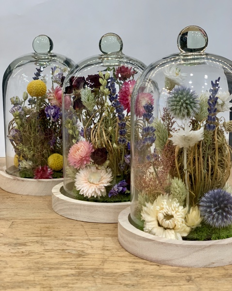 Cloche en fleurs séchées